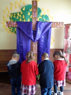 SH-Praying-Cross_300